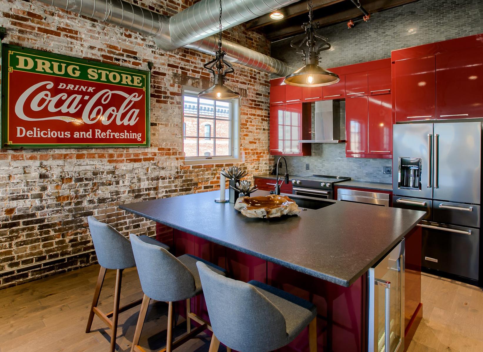 Downtown Condo Breakfast Bar